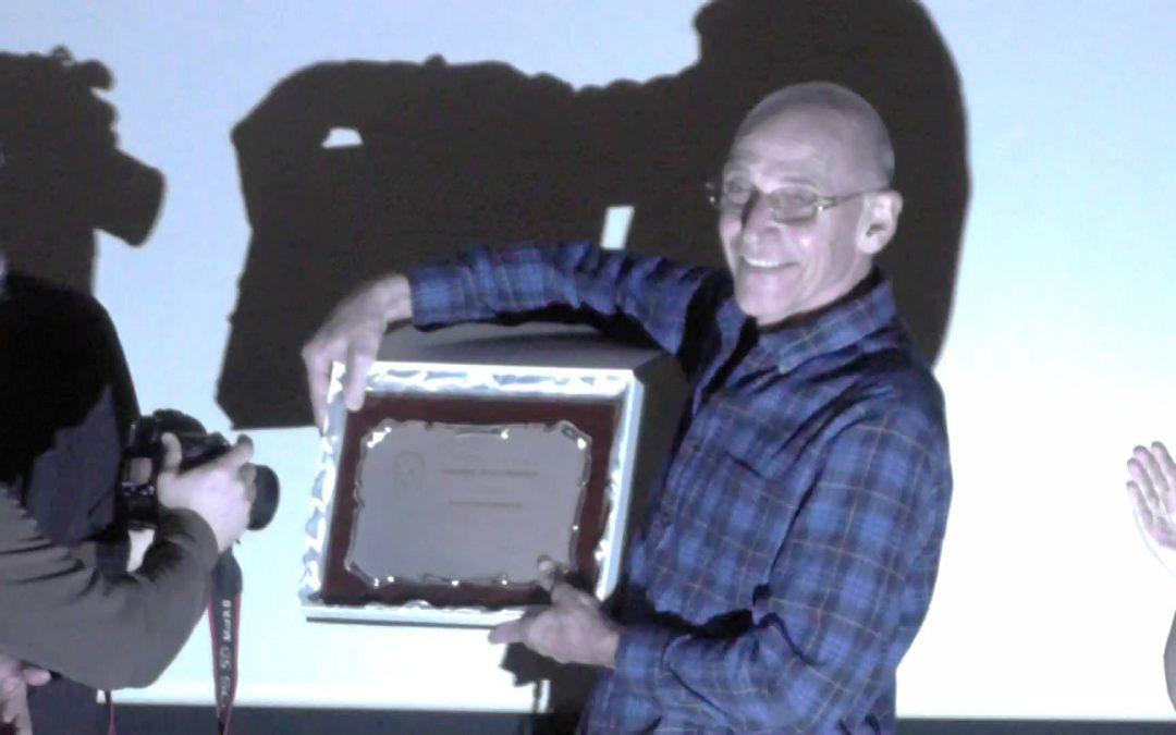 Entrega del premio honorífico Jess Franco a Sam Firstenberg en la CutreCon V